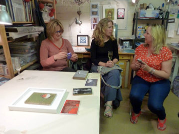 Picture of Ann, Lis and Eliza sitting in Jules' Print Shed